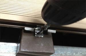 Крепление монтажных клипс для стыковки досок
